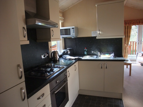 Kitchen - Fellside Lodge - Limefitt Park - Troutbeck