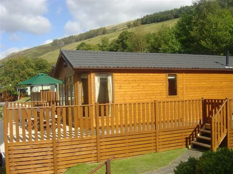 The lodge from the right hand side - Fellside Lodge - Limefitt Park - Troutbeck