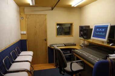 Music Production Costs ~ Charges for Recording Studios & Studio Hire